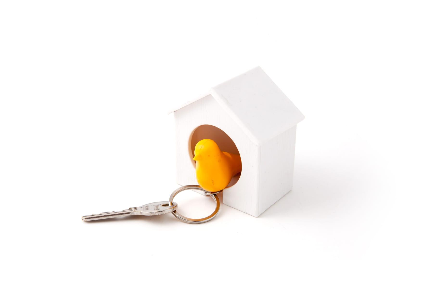 Brelok ptaszek w budce żółty