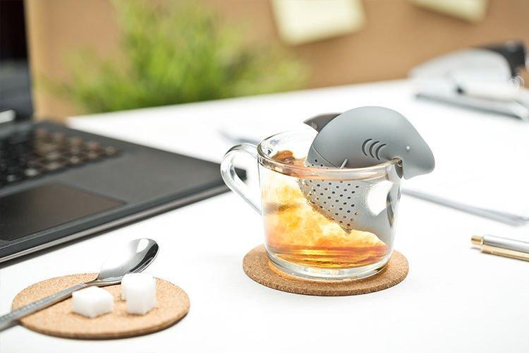 Zaparzacz do herbaty rekin